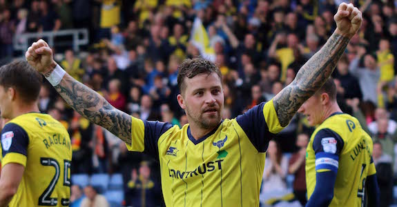 chris-maguire-dives-in-to-deflect-vigourouxs-clearance-for-the-second-goal-8